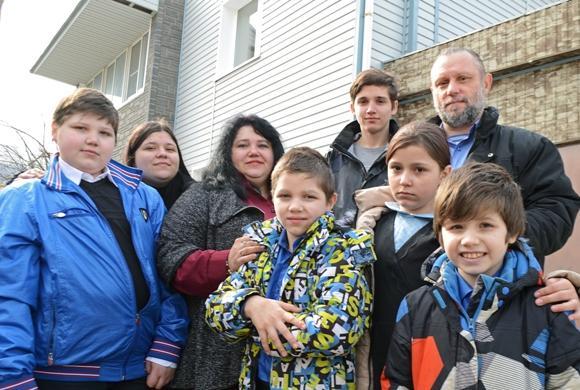 В Пензе семье с 11 детьми подарили дом